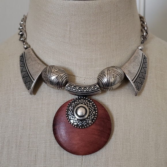 H&M Chunky wood and silver necklace